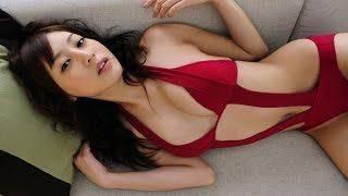 池田夏希 ホクロがセクシーなお姉さんのグラビア撮影