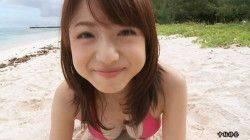 中村静香 ビーチでピンクのビキニでおっぱい揺らす