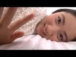 紗綾 ベッドでいちゃついたり飛び跳ねて巨乳を揺らす